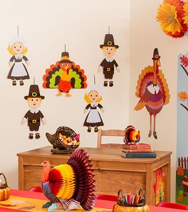 35 Thanksgiving Decorations to Celebrate the Season